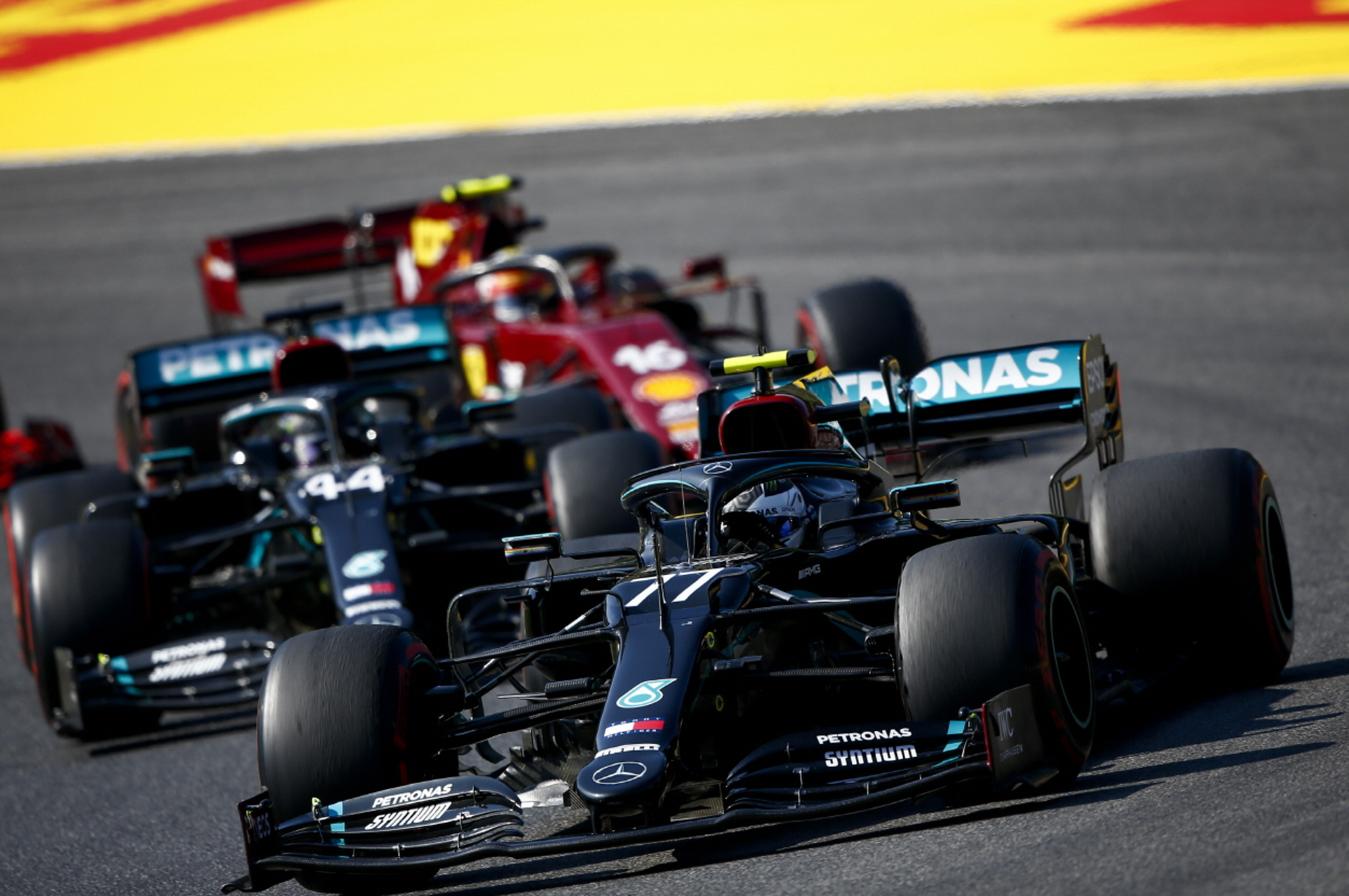 메르세데스 AMG F1팀 루이스 해밀턴, 발테리 보타스, 투스칸 그랑프리에서 1, 2위 석권