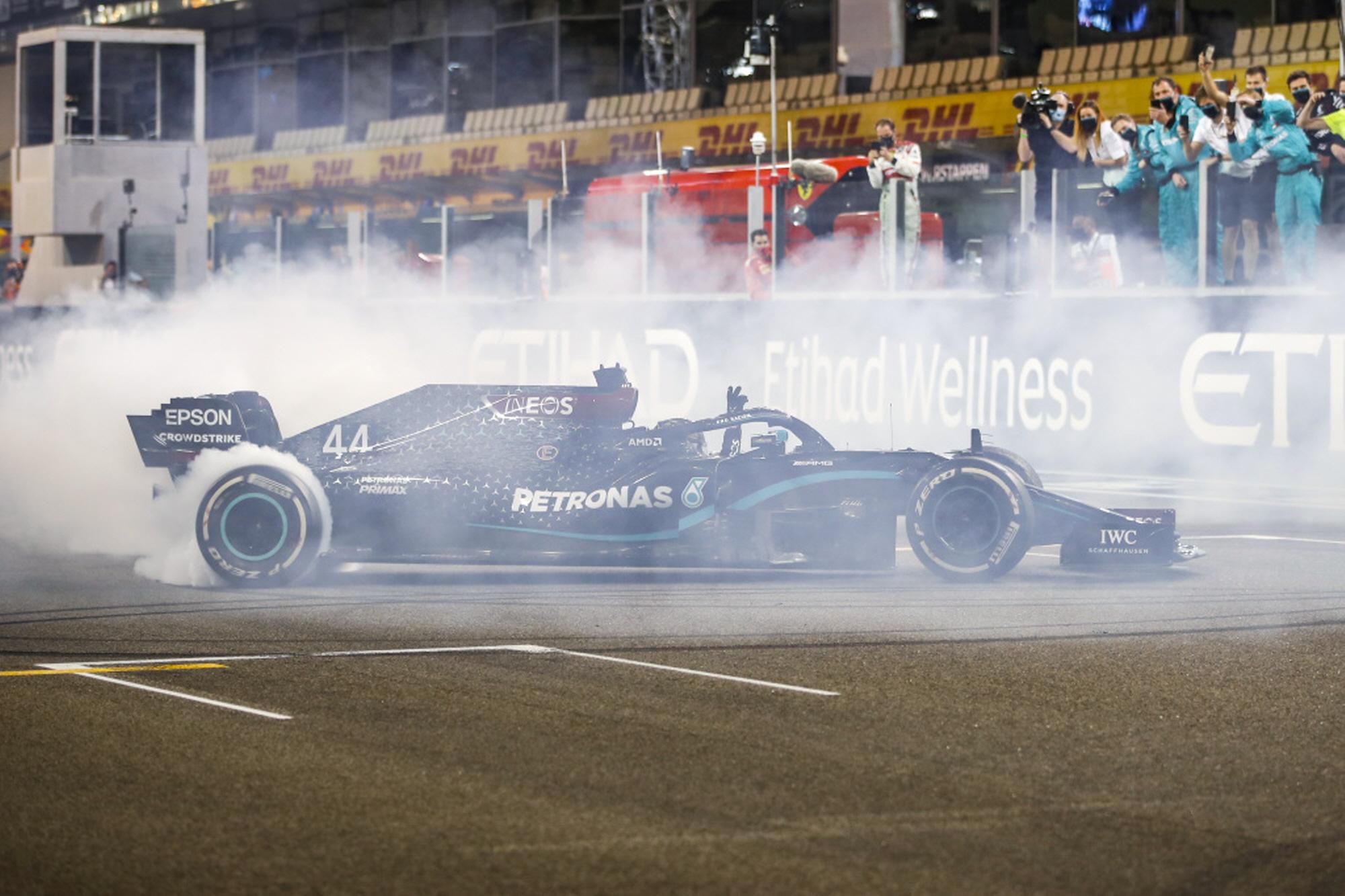 메르세데스 AMG F1, 아부다비 그랑프리 더블 포디움 기록